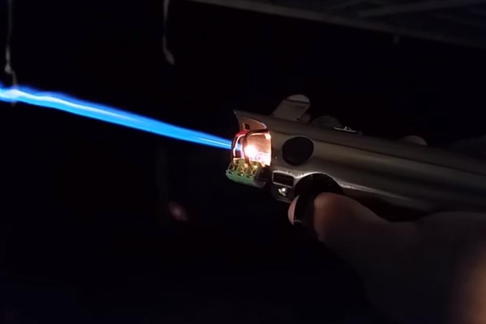 """Imagem de Youtuber cria """"sabre de luz"""" de Luke com lâmina de chamas [vídeo] no tecmundo"""