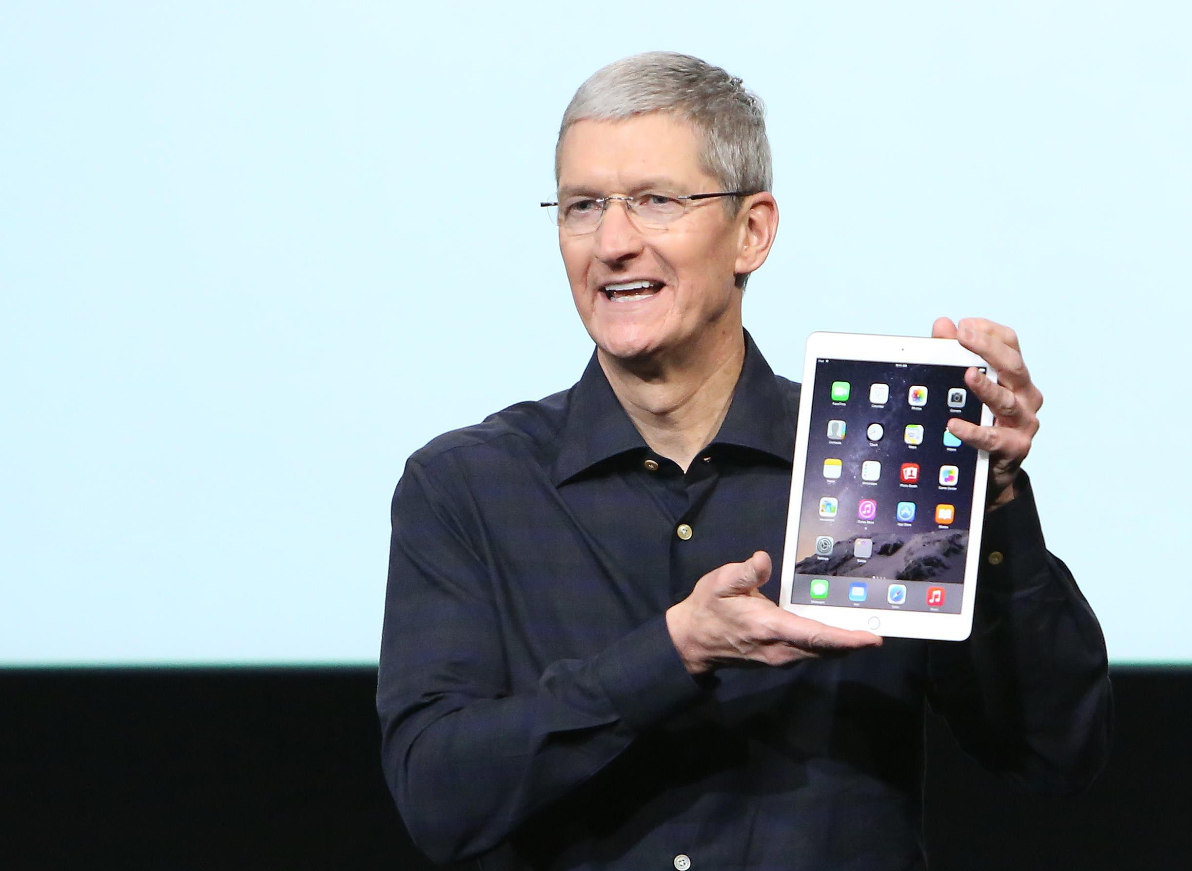 Imagem de Tim Cook, CEO da Apple, recebeu mais de US$ 10 milhões da empresa em 2015 no tecmundo