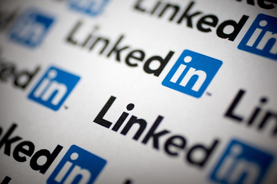 Imagem de LinkedIn: como navegar e visitar perfis de forma anônima na rede social no tecmundo