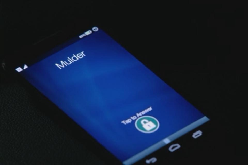 Imagem de Qual celular os agentes Mulder e Scully usam no novo Arquivo X? no tecmundo