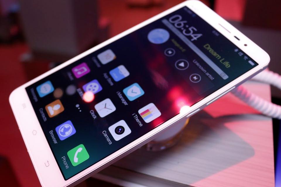 Imagem de Vivo XPlay 5: veja como o aparelho se sai contra um iPhone 6s [vídeo] no tecmundo