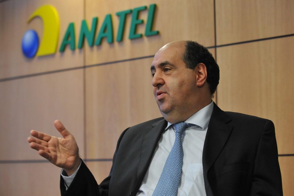 Imagem de Anatel proíbe cortes e limitações na internet fixa por prazo indeterminado no tecmundo