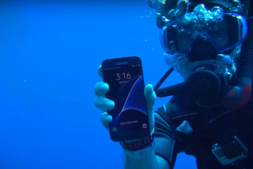 Imagem de No fundo do mar: qual smartphone top de linha resiste mais tempo? [vídeo] no tecmundo