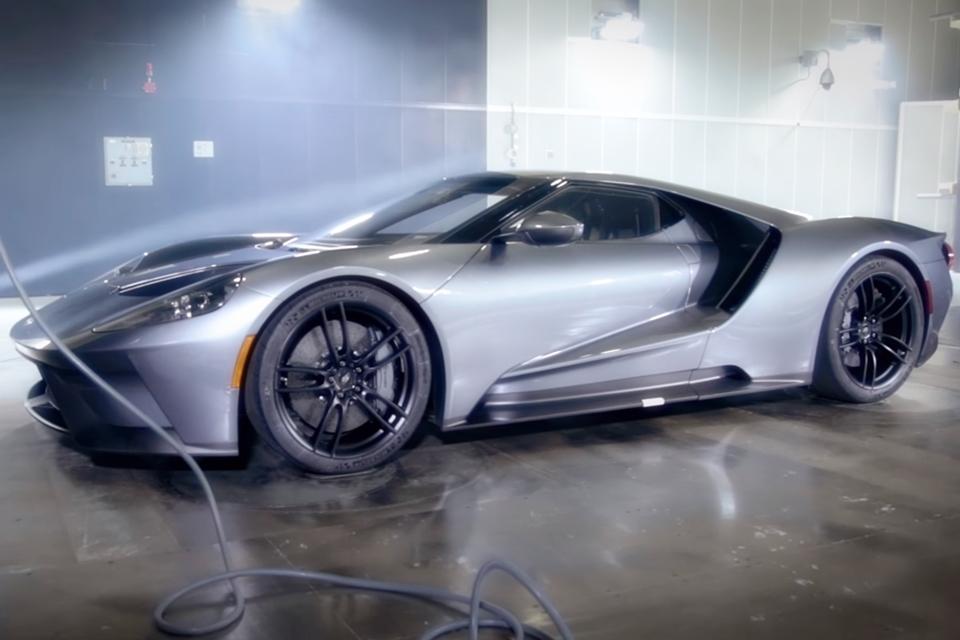 Imagem de Pornô automotivo: teste de aerodinâmica do Ford GT é beleza pura [vídeo] no tecmundo