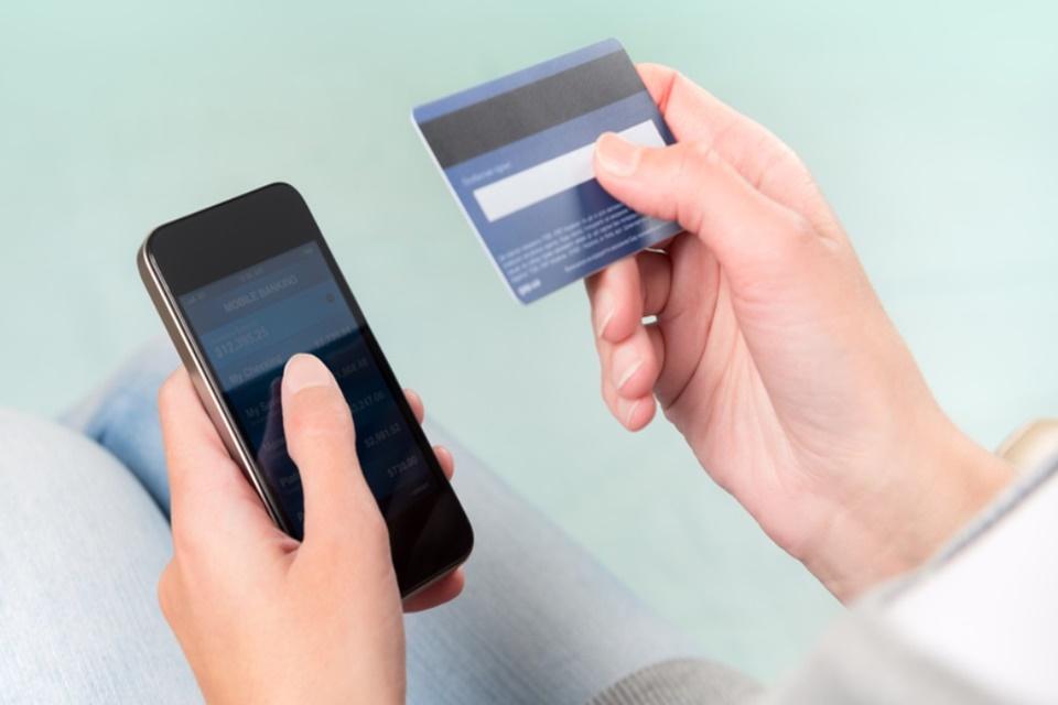 Imagem de Novo golpe usa SMS e sites falsos de bancos para roubar dados no tecmundo