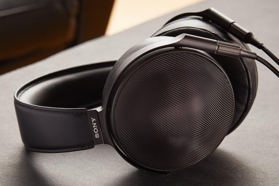 Imagem de Prefiro um Fusca! Novo fone Hi-Fi da Sony é anunciado por quase R$ 7.500 no tecmundo