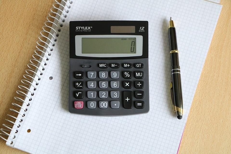 Imagem de Você sabe por que as teclas das calculadoras e telefones são invertidas? no tecmundo