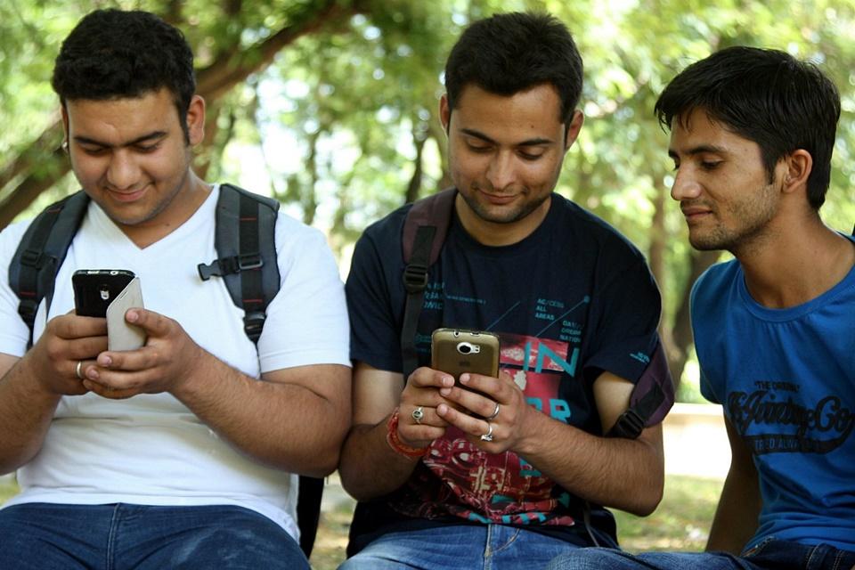 Imagem de Sabe o que os indianos andam vendo no WiFi grátis da Google? Pornô, claro! no tecmundo