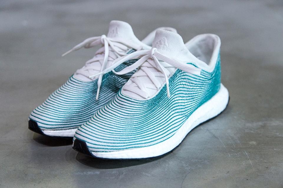 Imagem de Adidas lança tênis feito de plástico reciclado recolhido dos oceanos no tecmundo