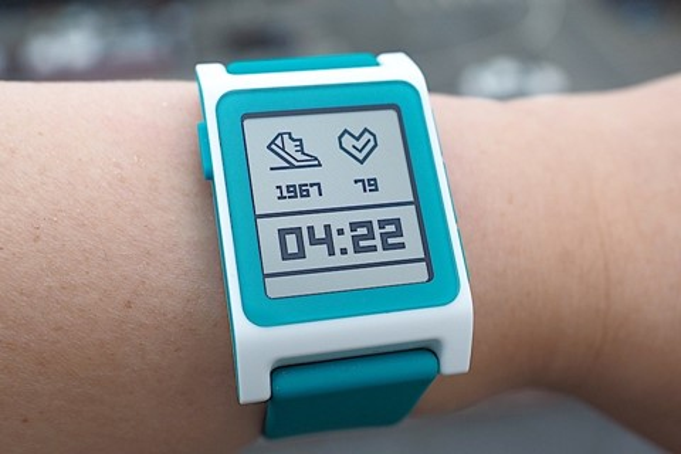 Imagem de Em crise, Pebble estaria sendo comprada pela Fitbit por menos de US$ 40 mi no tecmundo