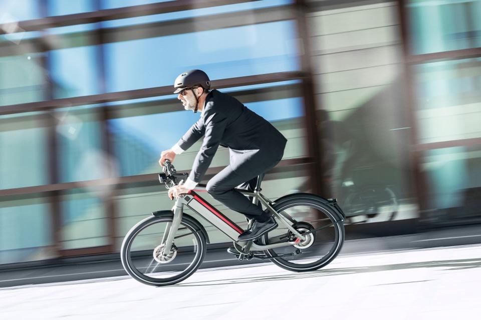 Imagem de Vale a pena comprar uma bike elétrica que custa o preço de uma moto? no tecmundo