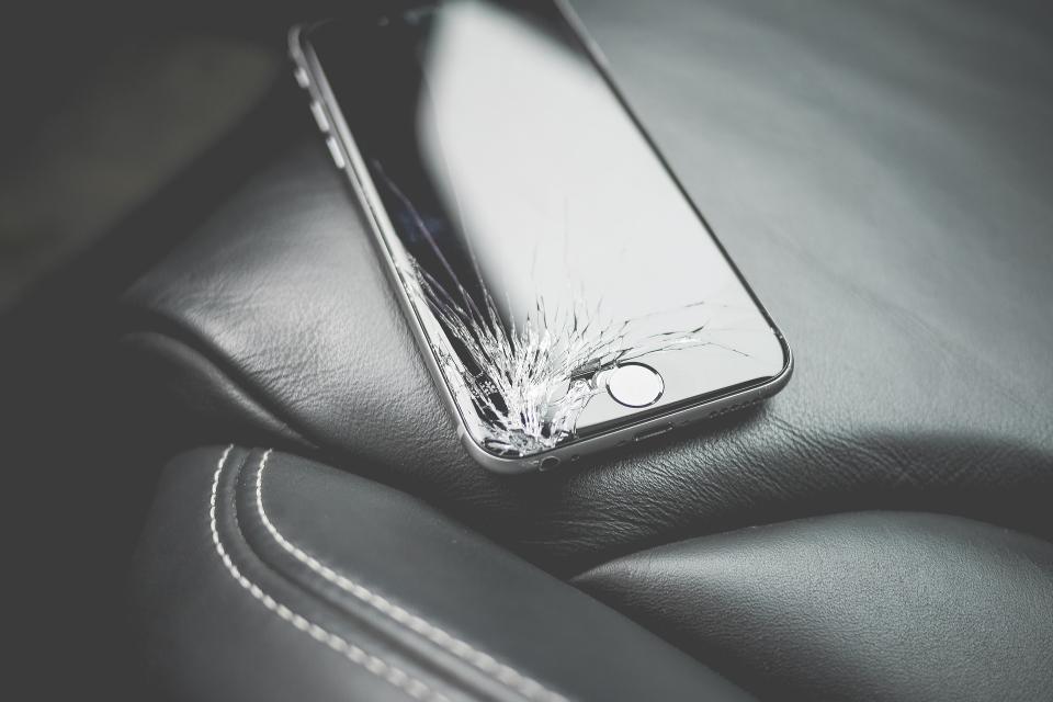 Imagem de Quais foram os principais defeitos nos smartphones em 2016? no tecmundo