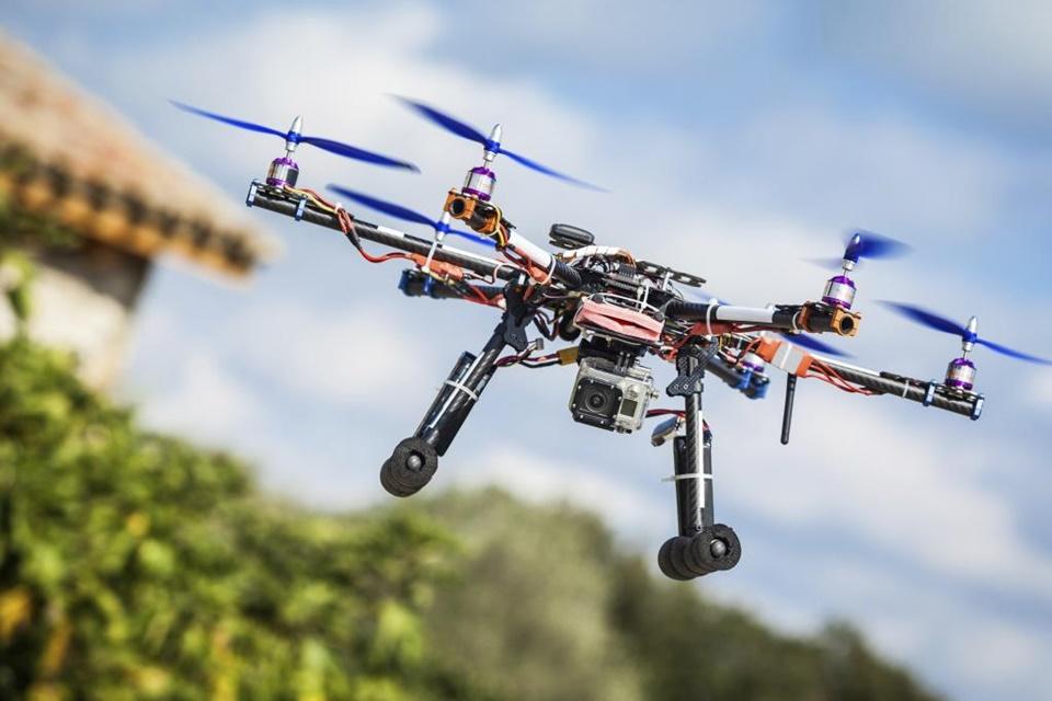 Imagem de Quedas e formato bizarro atrapalham projeto de entregas via drone da Google no tecmundo