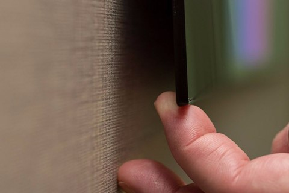 Imagem de De lado nem dá pra ver! LG mostra nova TV OLED com só 2,57 mm de espessura no tecmundo
