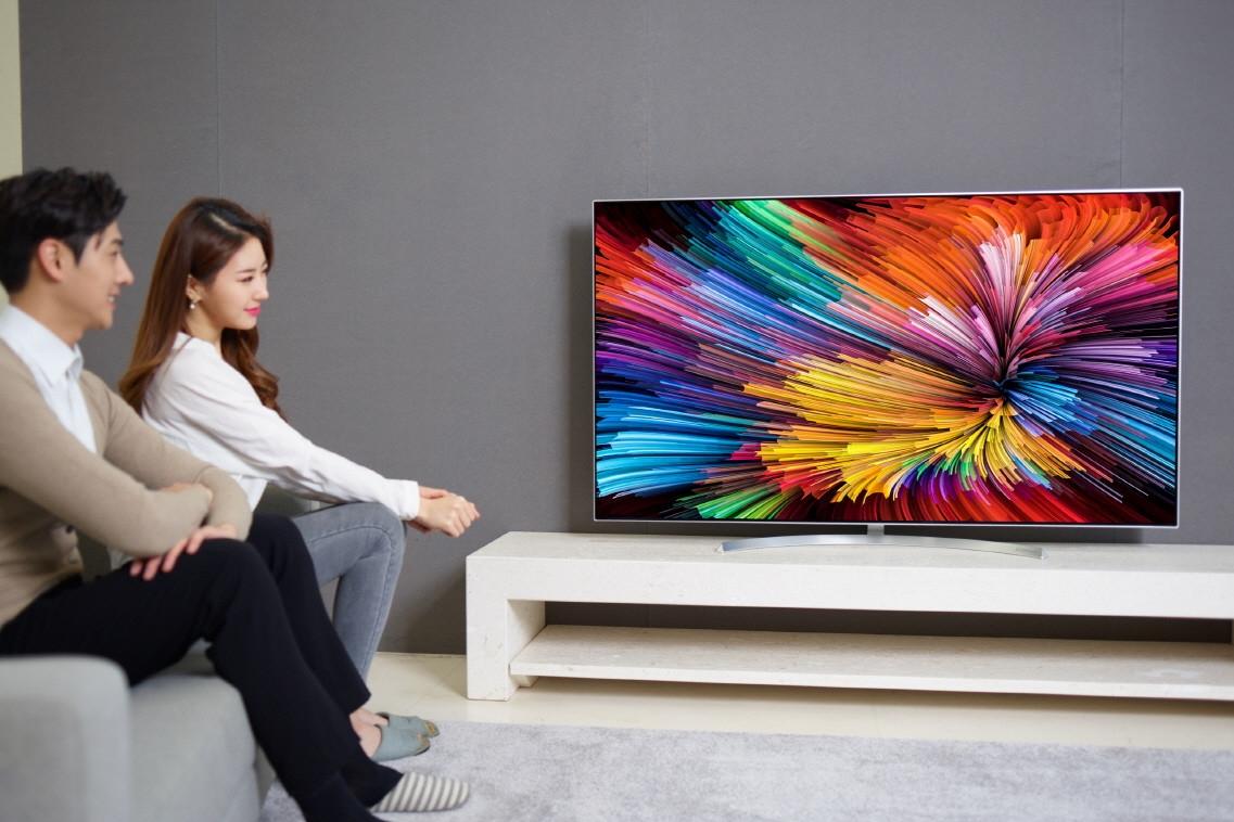 Imagem de LG anuncia nova linha de TVs Super UHD com tecnologia Nano Cell na CES 2017 no tecmundo