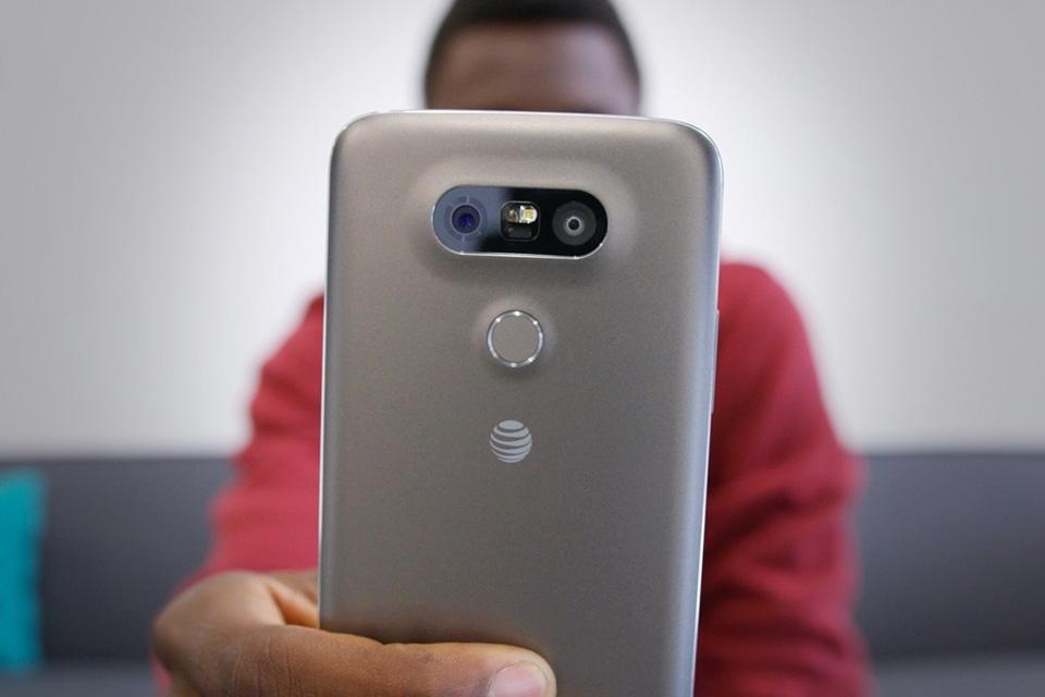 Imagem de Por que alguns smartphones agora têm duas câmeras traseiras? no tecmundo