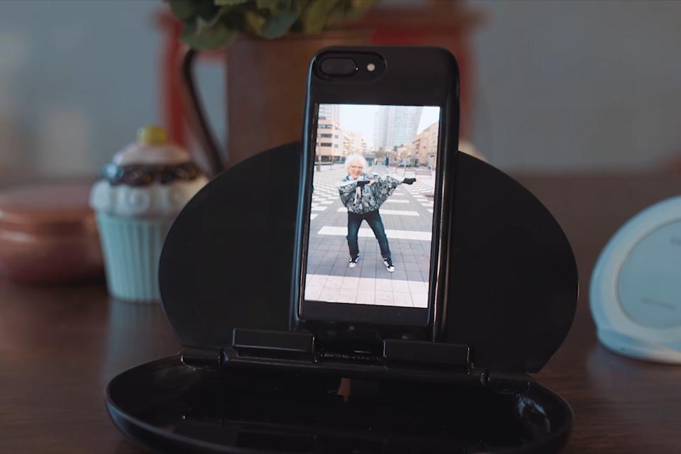 Imagem de Case para iPhone traz Android, dobro de bateria e 256 GB de armazenamento no tecmundo
