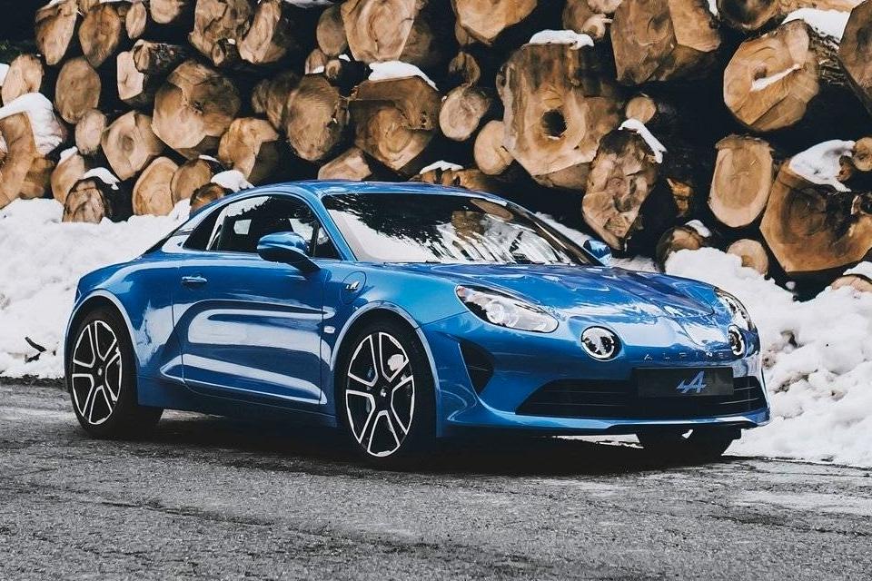 Imagem de A versão revisitada do Alpine A110 é um presente dos deuses dos carros no tecmundo