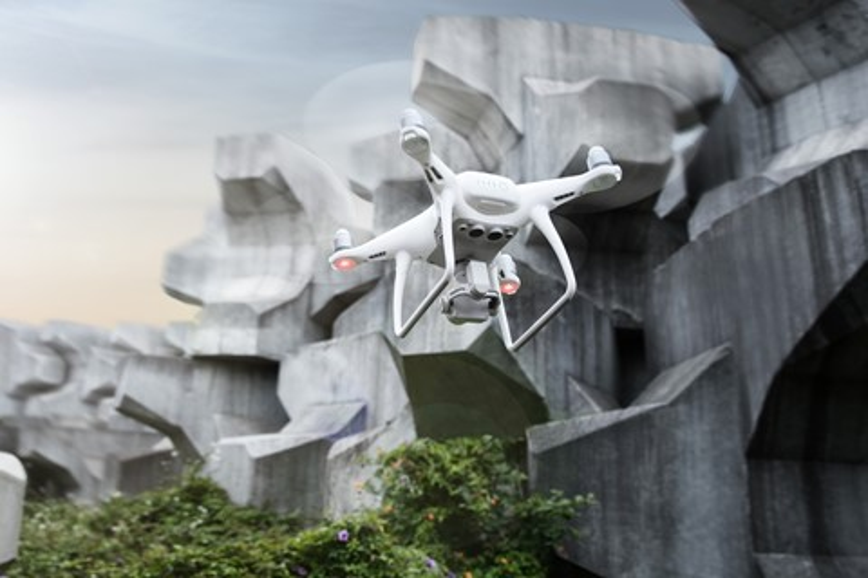 Imagem de DJI apresenta drone Phantom 4 Advanced com aprimoramentos na câmera no tecmundo