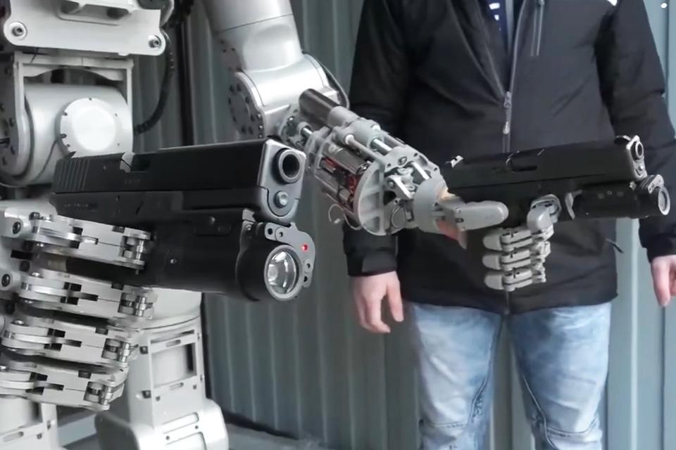 Imagem de Esse androide russo armado é assustador, mas não é o fim do mundo da Skynet no tecmundo