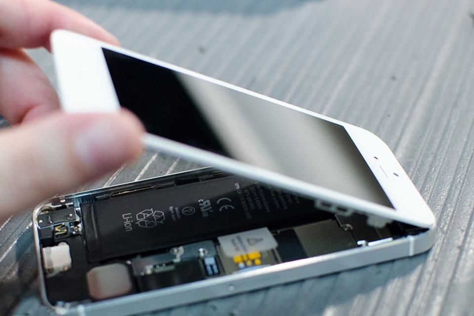 Imagem de Segundo rumores, Apple pode colocar chip dedicado a IA nos próximos iPhone no tecmundo