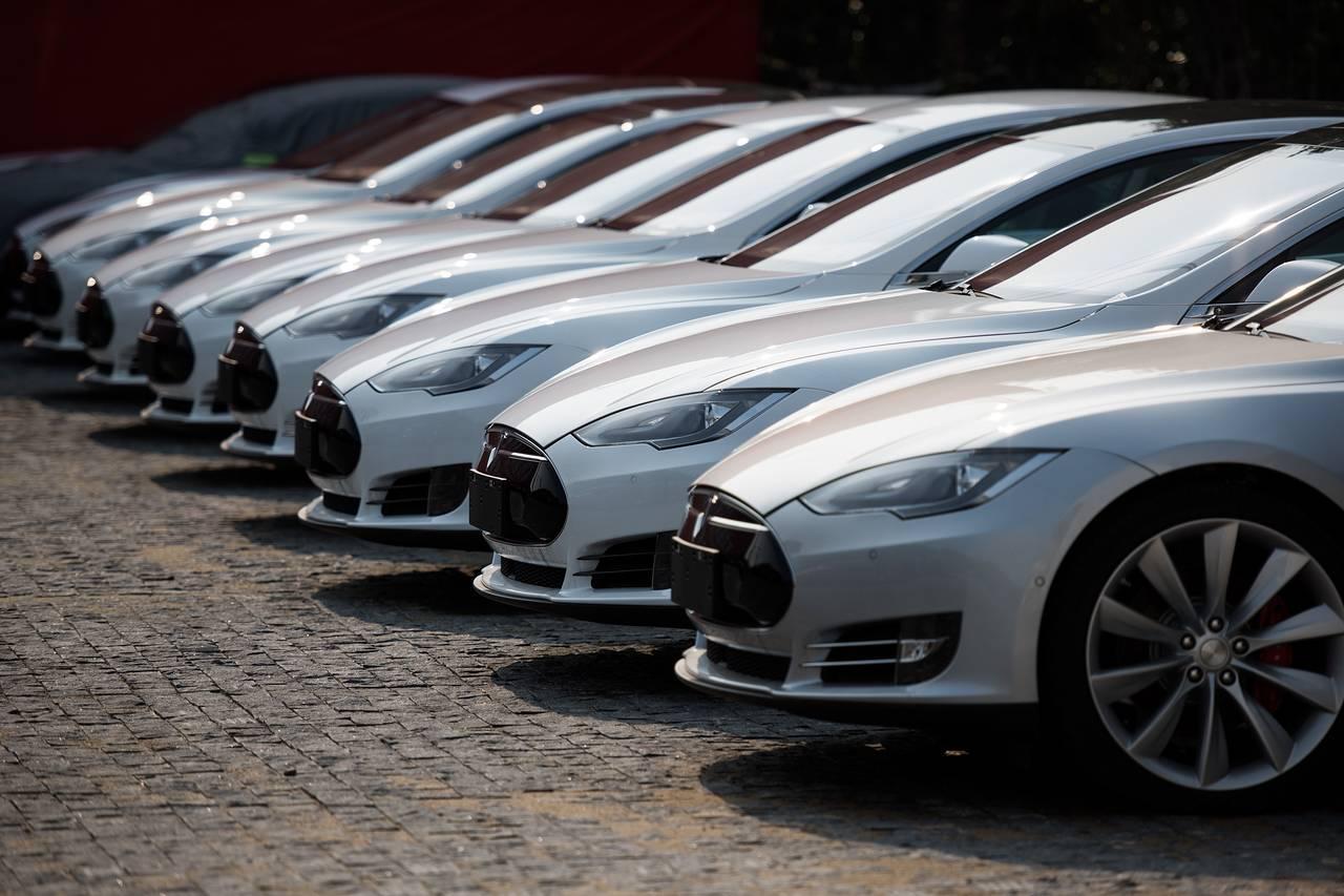 Imagem de Tesla já tem um novo modelo planejado para 2020 no tecmundo