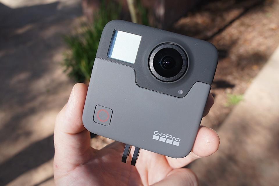 Imagem de GoPro Fusion: conheça mais sobre a câmera que captura 360 graus de ação no tecmundo