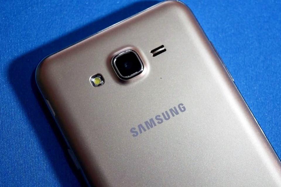 Imagem de Do nada! Samsung deve atualizar o Galaxy J7 original para o Android Nougat no tecmundo