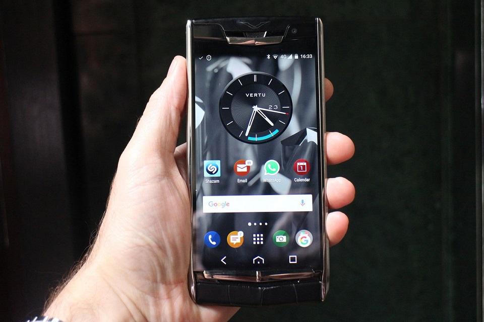 Imagem de Vertu, que vende smartphones de US$ 50 mil, não consegue pagar as contas no tecmundo