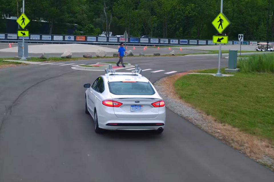 """Imagem de Vídeo mostra Ford Fusion autônomo em ação na """"cidade autônoma"""" no tecmundo"""