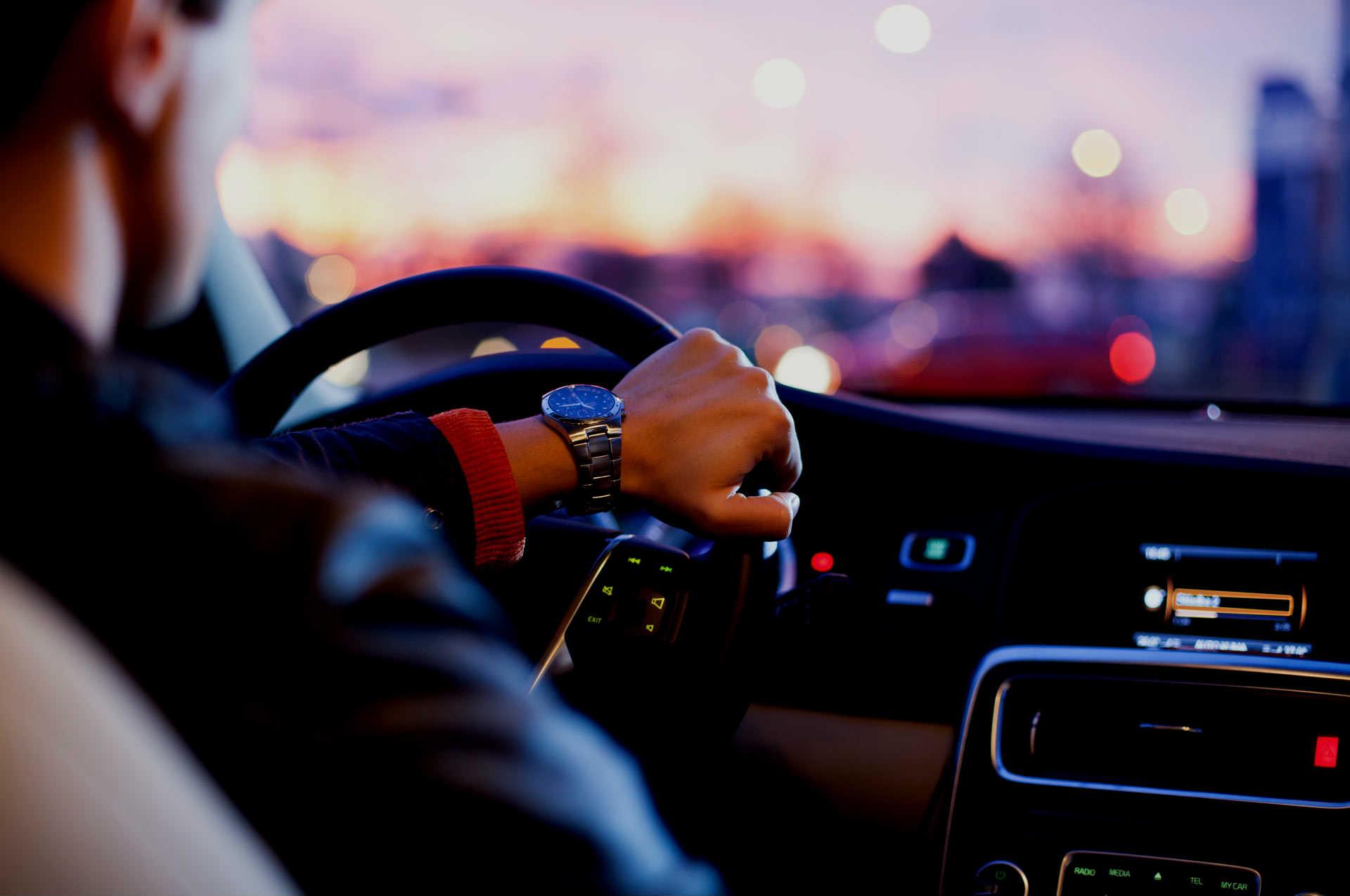 Imagem de Motoristas de Uber em SP terão que fazer curso e seguir regra de vestimenta no tecmundo