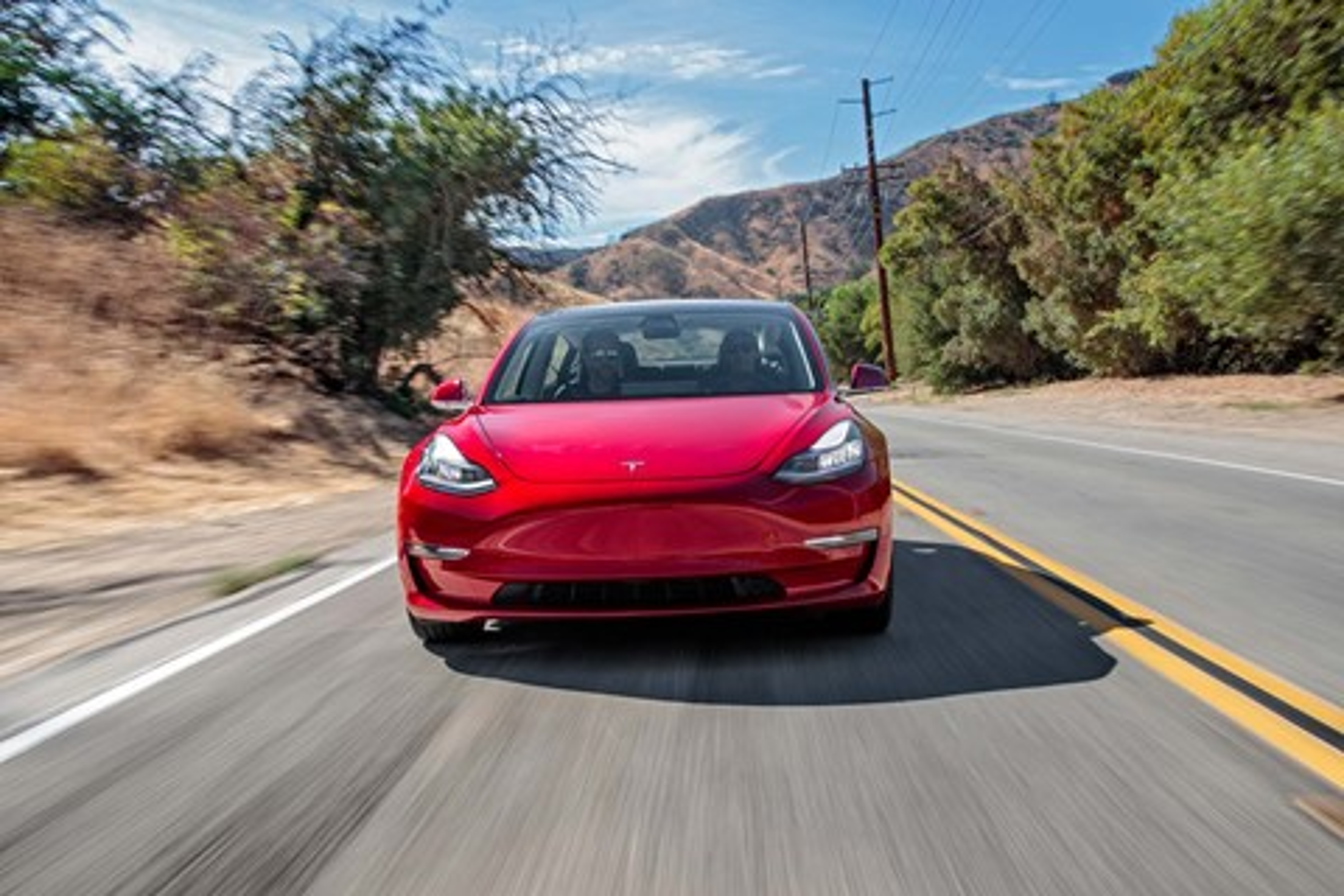 """Imagem de Versão """"esportiva"""" do Tesla Model 3 sairá somente depois de 2018 no tecmundo"""