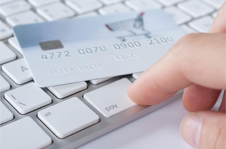 Imagem de Por que a maioria das lojas online não aceita débito como pagamento? no tecmundo