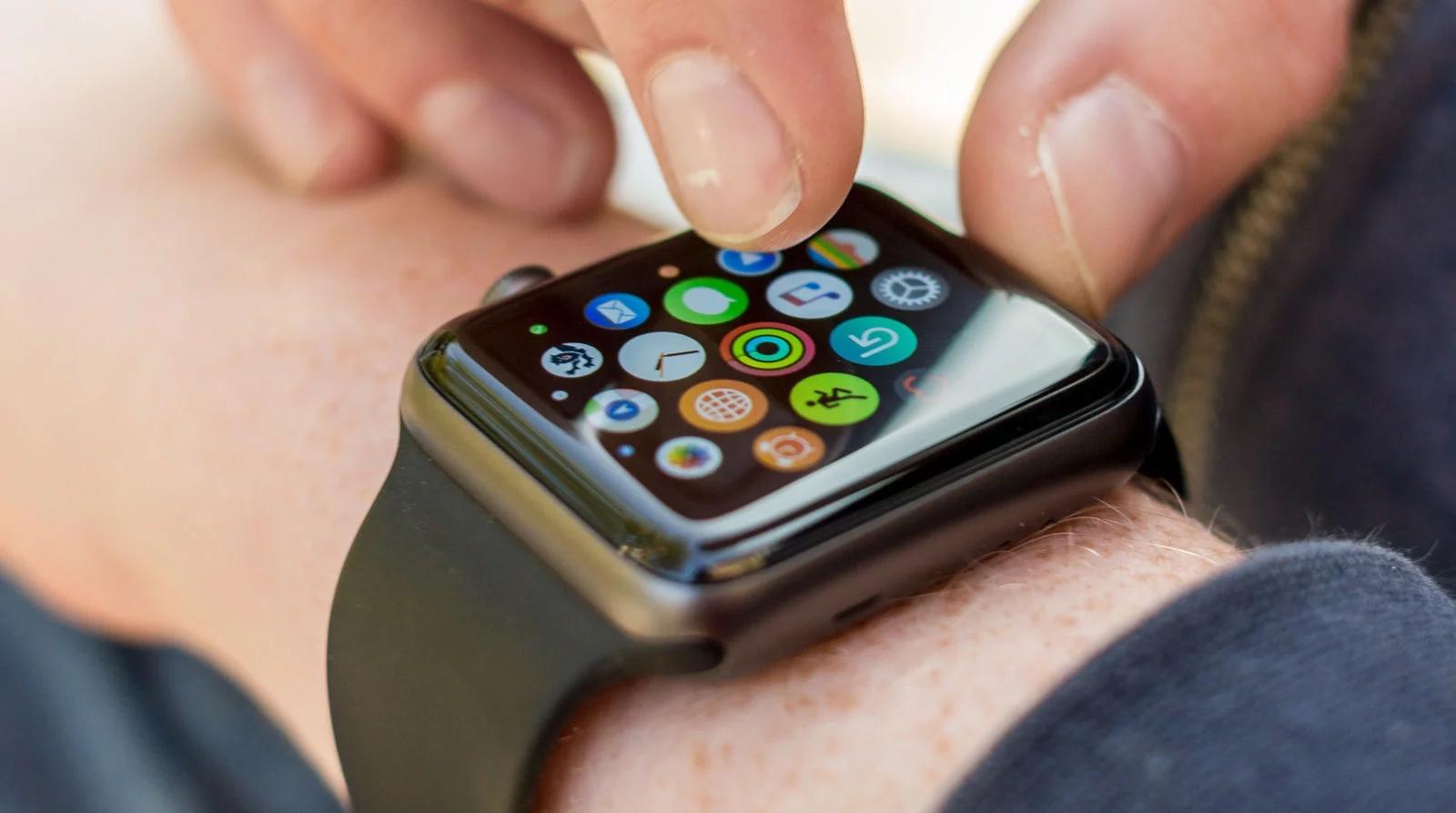 Imagem de Apple Watch 3 deve ser lançado em setembro juntamente com iPhone 8 no tecmundo