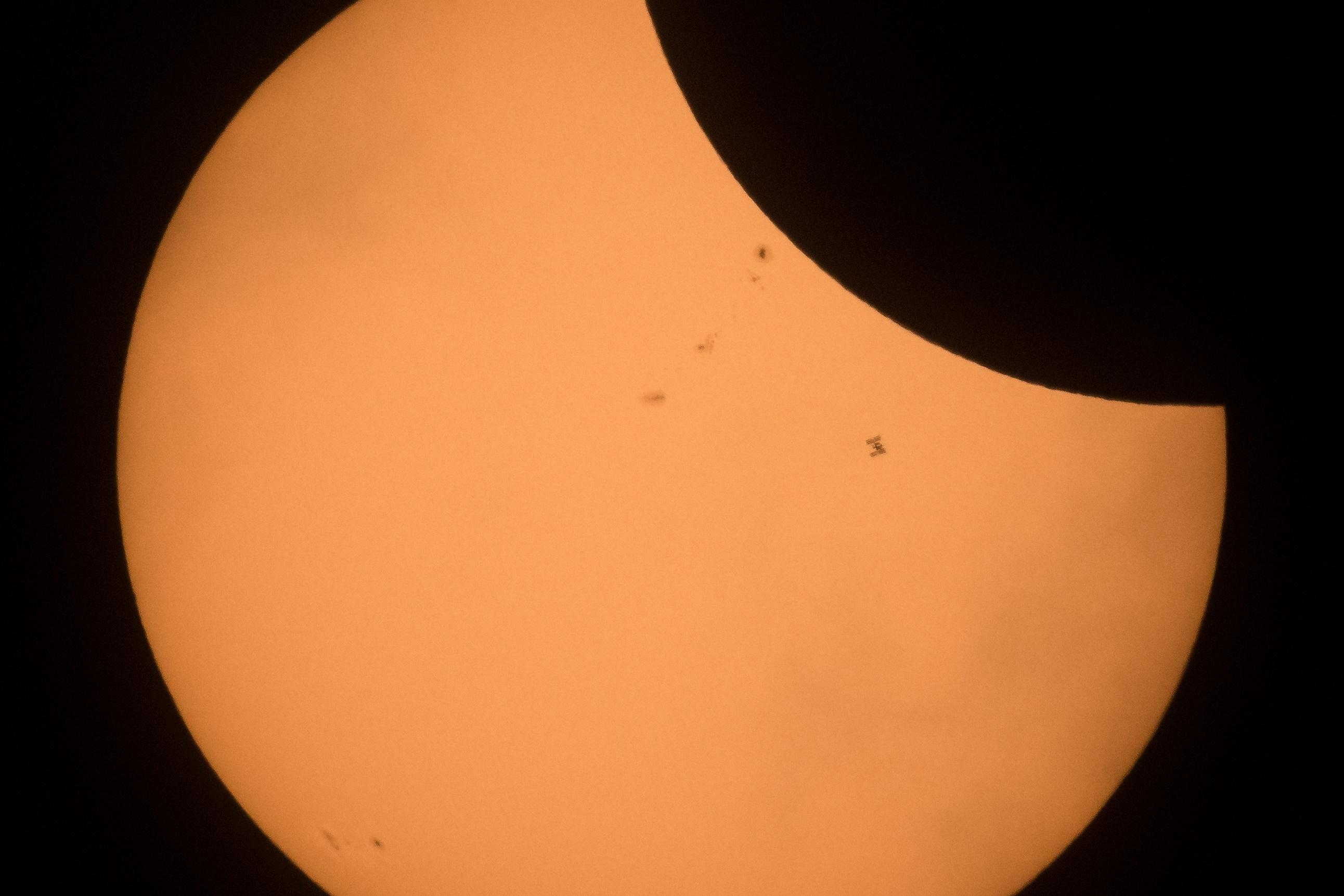 Imagem de A melhor foto do eclipse traz um detalhe quase imperceptível no tecmundo