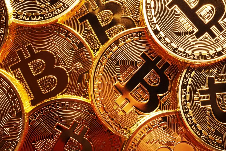 Imagem de Descubra de uma vez por todas se vale a pena investir em Bitcoins no tecmundo