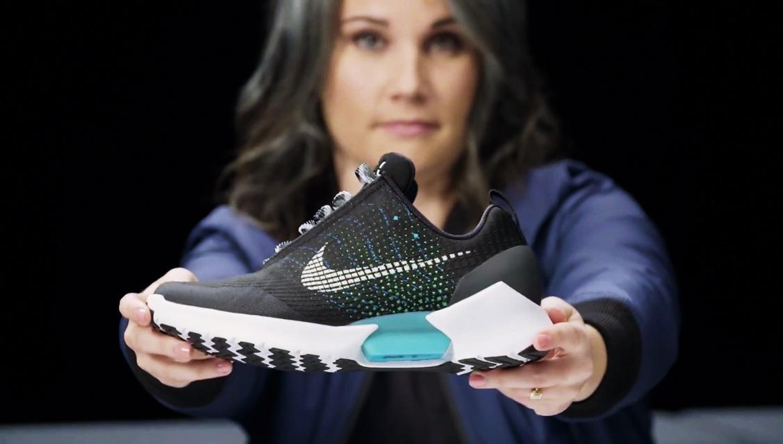 Imagem de O que a Nike e a Tesla têm em comum? Em breve, uma engenheira geek no tecmundo