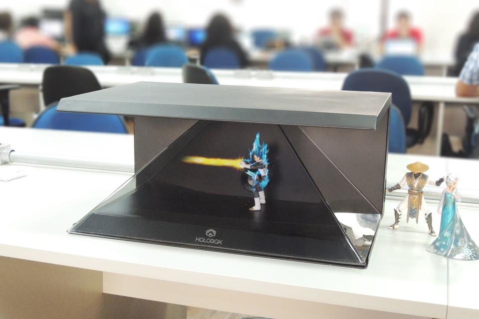 Imagem de Goku na sua casa! Holobox esta disponível para financiamento no Kickstarter no tecmundo
