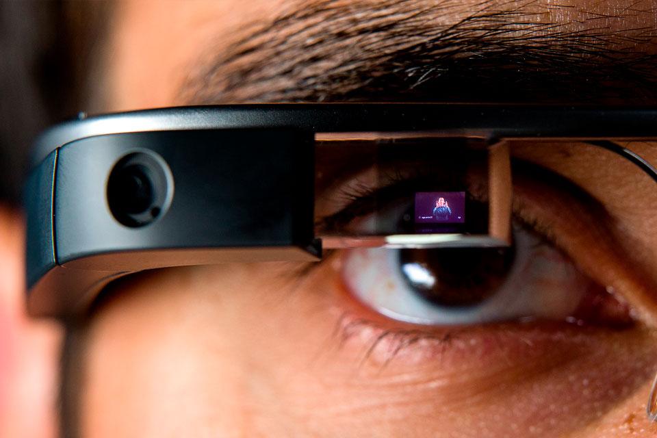 Imagem de Será que vai colar dessa vez? Confira o unboxing do novo Google Glass no tecmundo