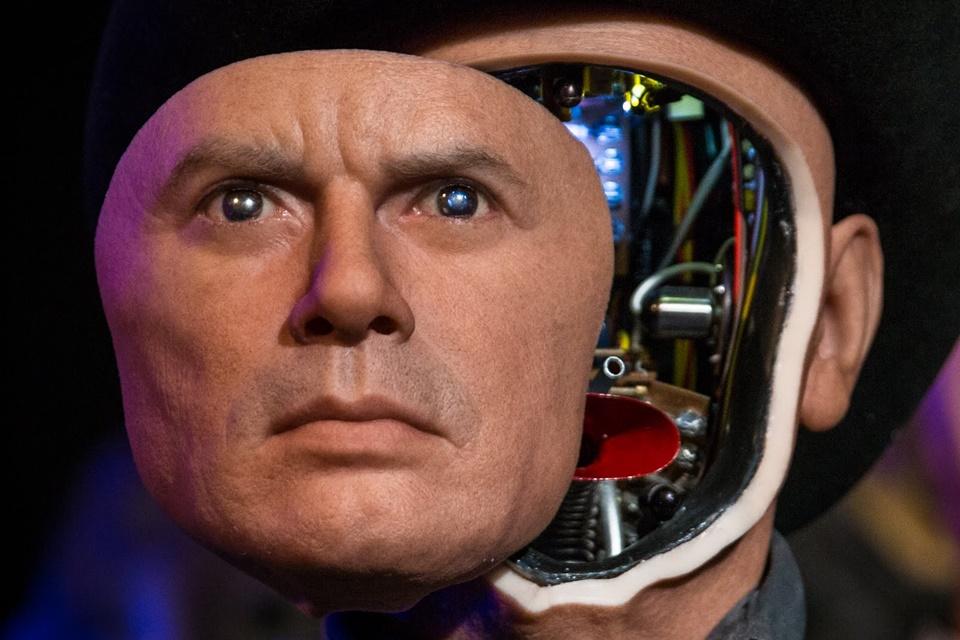 Imagem de Ex-engenheiro de carro autônomo da Google cria religião para adorar a IA no tecmundo