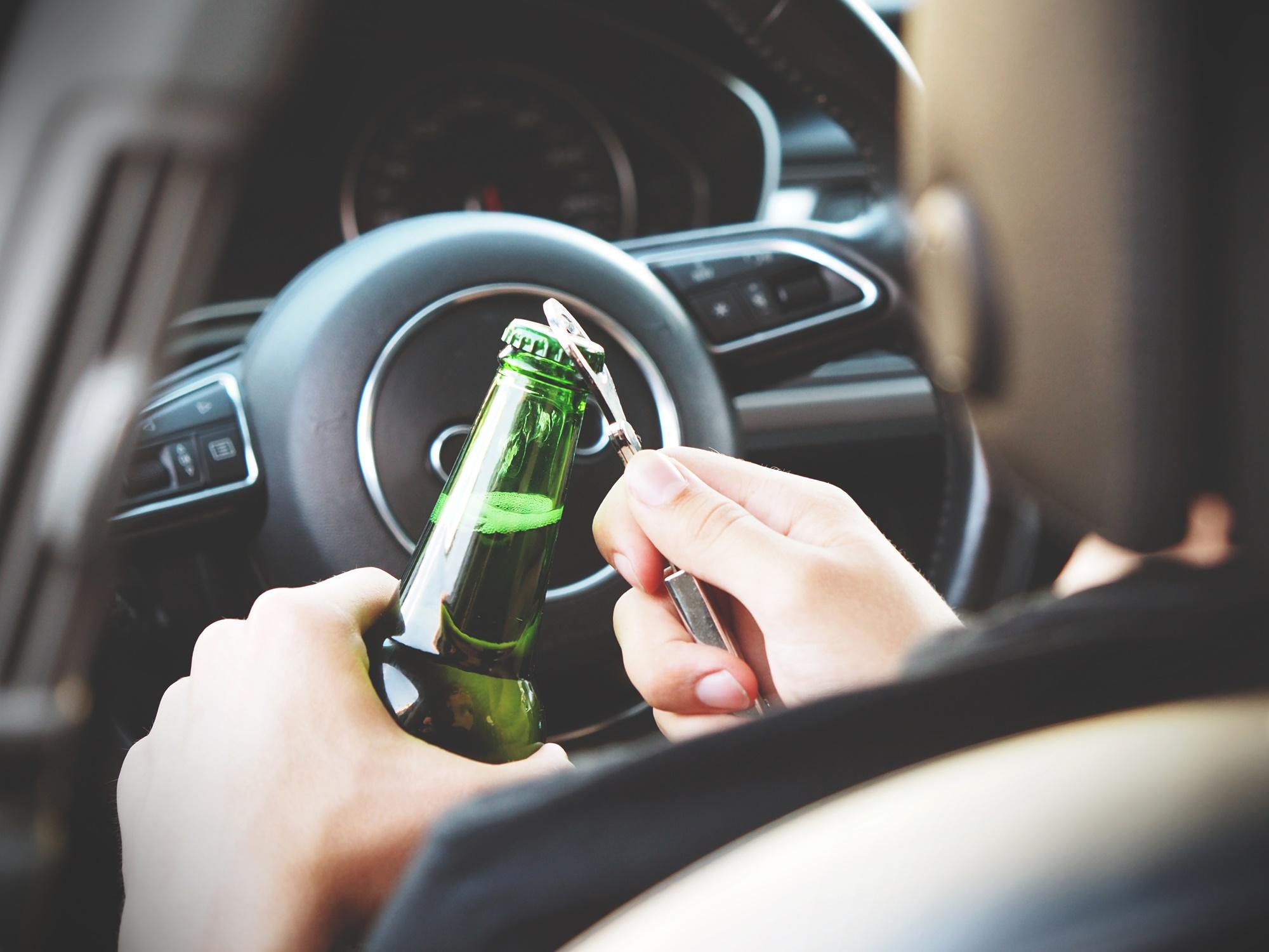 """Imagem de Órgão afirma que """"dirigir"""" bêbado será uma possibilidade com autônomos no tecmundo"""