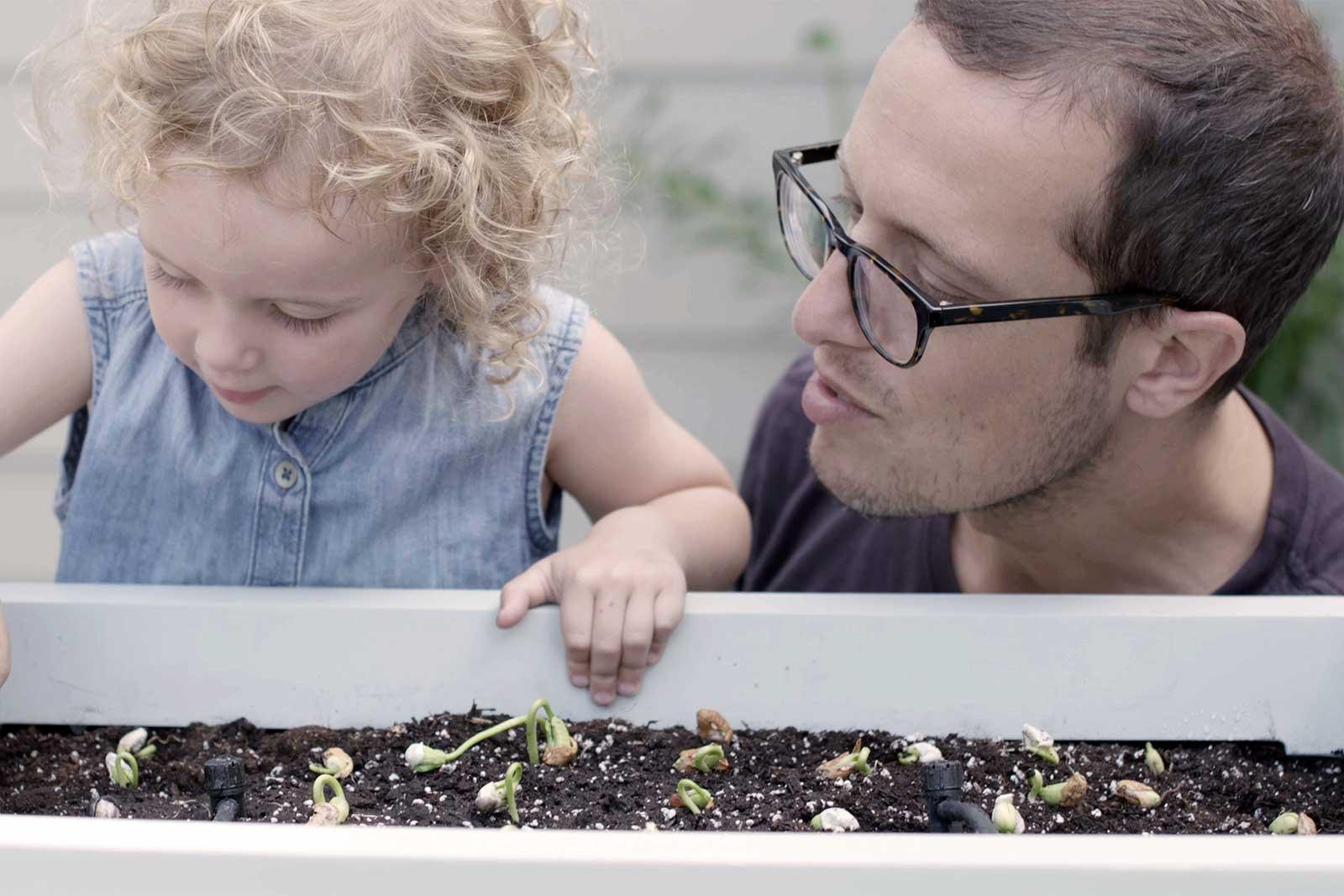 Imagem de Sim, existe um vaso inteligente para você controlar suas plantas por um app no tecmundo