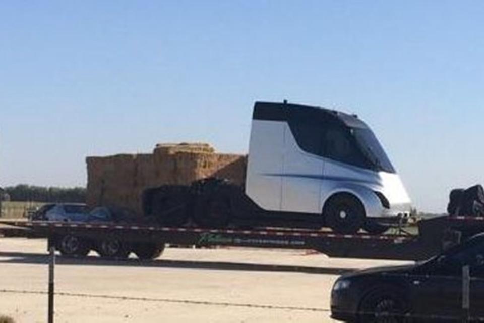 Imagem de Apresentação de caminhão da Tesla é postergada para o dia 16 de novembro  no tecmundo