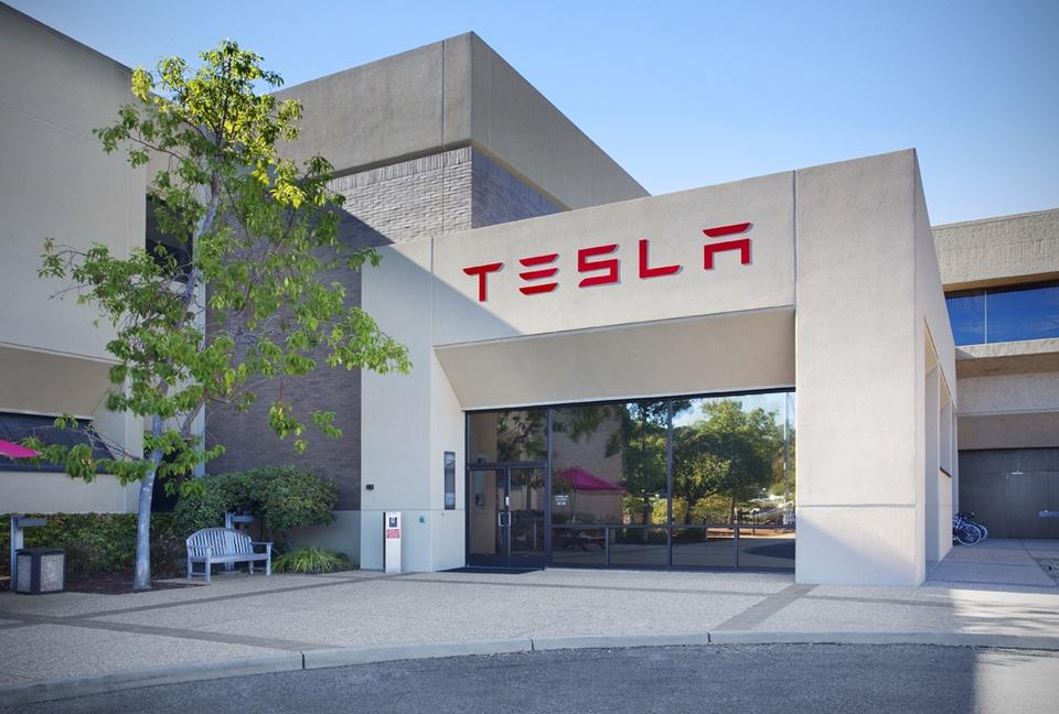 Imagem de Tesla demite centenas de funcionários, mas diz que está 'tudo bem' no tecmundo