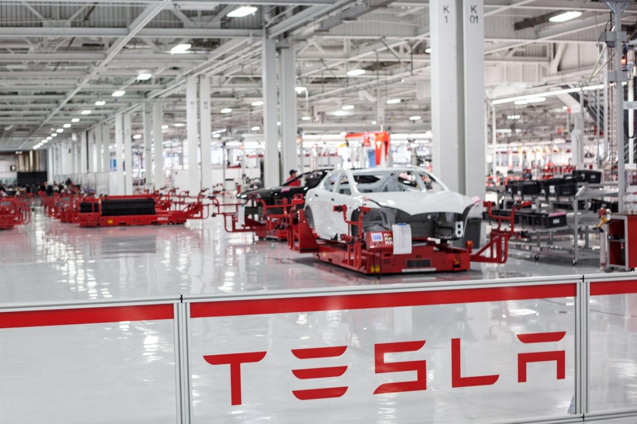 Imagem de Depois de polêmica com WSJ, Elon Musk mostra linha de produção do Model 3 no tecmundo