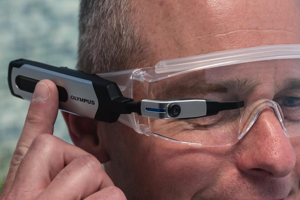 Imagem de Olympus lança aparelho que transforma óculos comuns em smart glasses no tecmundo