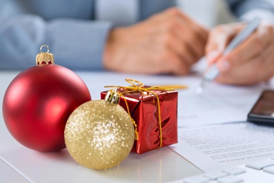 Imagem de Fica a dica! O Natal está chegando e muita gente quer AirPods de presente no tecmundo