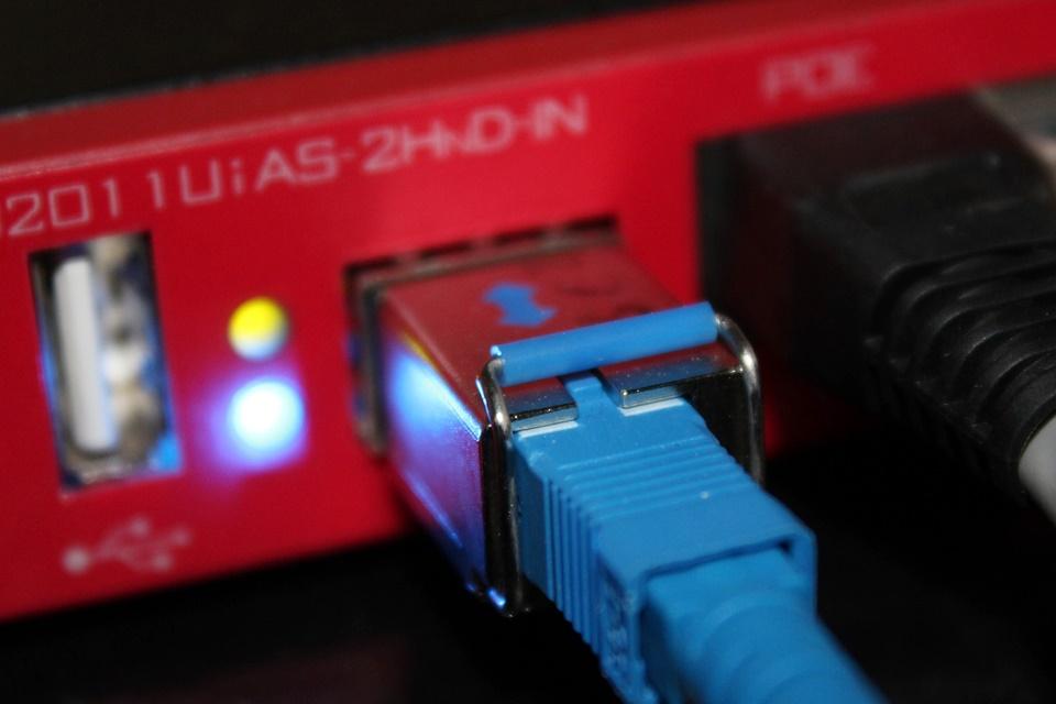 Imagem de Anatel adia decisão sobre limite de dados da banda larga para o ano que vem no tecmundo