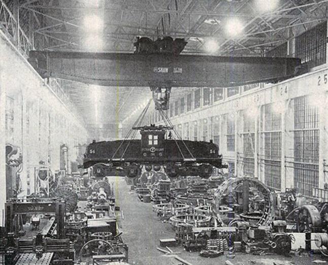 Um tanque de guerra na fábrica