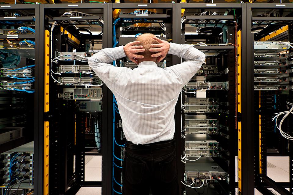 Imagem de 7 vezes em que o descuido com os servidores acabou em tragédia no tecmundo